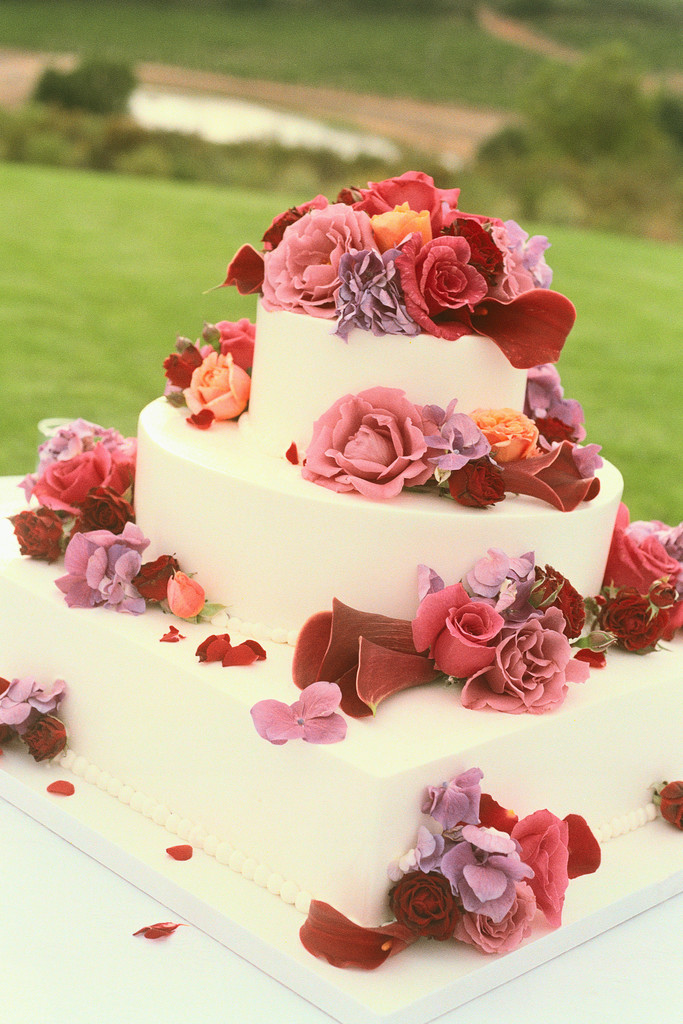 Wedding Cake with Flowers 2